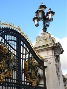Free Buckingham Palace Gates. Stock Image - 1913201