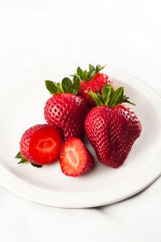 Free Strawberries Royalty Free Stock Photos - 19102378