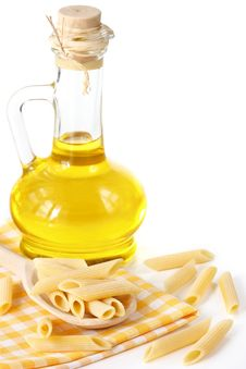 Free Pasta And Olive Oil. Royalty Free Stock Photography - 19105387