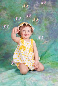 Free Little Funny Girl With Soap Bubbles Royalty Free Stock Photo - 19109095
