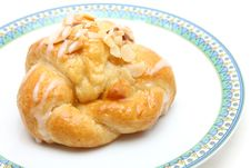 Free Almond Croissant On Dish Stock Photos - 19109463