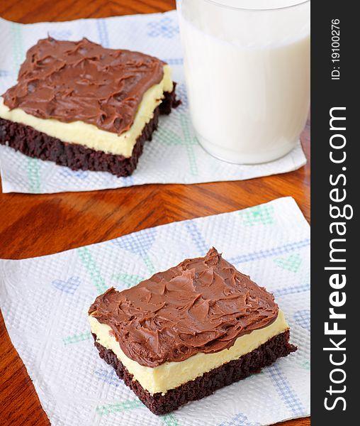 Fudge Cheesecake Brownie
