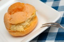 Closeup Of Cream Puff Royalty Free Stock Images