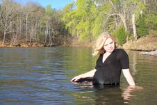 Free Pregnant Woman In The Water 2 Royalty Free Stock Image - 19120636