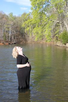 Free Pregnant Woman In The Water Royalty Free Stock Photography - 19120997