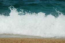 Free Waves In The Mediterranean Sea Royalty Free Stock Image - 19125776