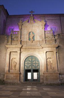 Free Facade Of A Church At Night Stock Image - 19125881