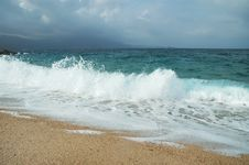 Free Waves In The Mediterranean Sea Royalty Free Stock Photos - 19128328