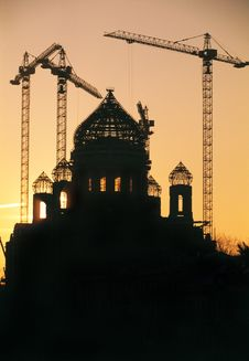 Free Building Cranes And Christian Cathedral Royalty Free Stock Photo - 19130825