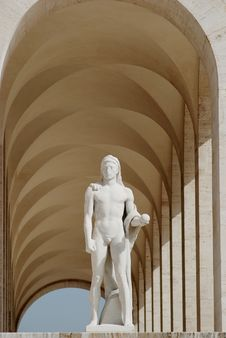 White Roman Archway With Sculpture Royalty Free Stock Photography