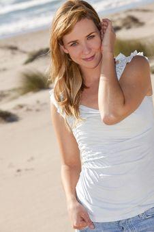 Free Woman Beach Royalty Free Stock Photo - 19134555