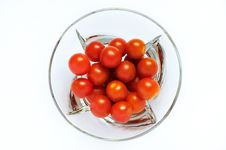 Free Red Tomatoes In A Transparent Plate Stock Images - 19143464