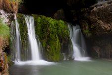 Free Waterfall Royalty Free Stock Photos - 19143548