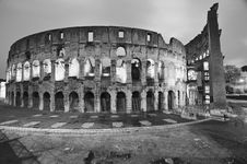 Free Lights Of Colosseum At Night Stock Photography - 19144562