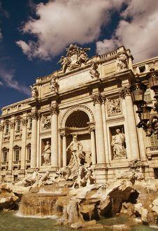 Free Trevi Fountain, Rome Stock Photo - 19144990