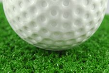 Free Golf Ball On The Green Grass Turf Royalty Free Stock Photography - 19146487