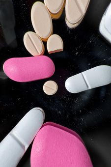 Free Pills Angle View Royalty Free Stock Image - 19150646