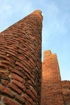Free Brick Pillars Royalty Free Stock Photos - 19167968