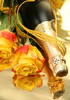 Free Champagne And Roses Royalty Free Stock Photos - 19175028
