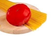 Free Uncooked Italian Spaghetti With Tomato. Royalty Free Stock Photo - 19177635