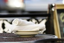 Free Plates And Napkins Stock Photos - 19177663