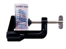 Free Twisting Banknotes Is Trapped In The Clamp Stock Images - 19178424