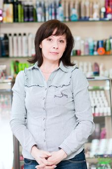 Woman In A Beauty Shop Royalty Free Stock Images