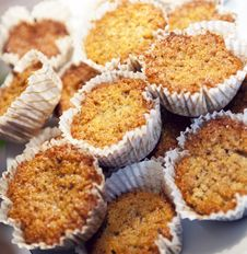 Free Nuts Muffins Royalty Free Stock Images - 19190719