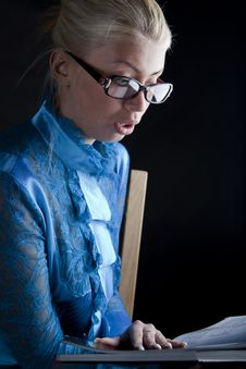 Free Beautiful Girl Holding A Book Stock Photography - 19192612