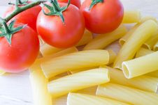 Free Italian Pasta And Tomato Royalty Free Stock Photo - 19194515