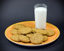 Free Milk And Cookies Royalty Free Stock Image - 19194516