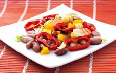 Free Salad With Beans,pepper, Carrots Stock Image - 19196401