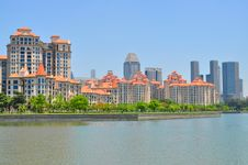 Free Apartments By Kallang Basin Royalty Free Stock Image - 19196626