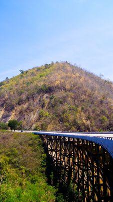 Free Bridge Pass Over Valley Stock Photos - 19198553