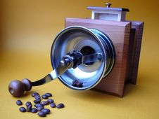 Free Coffee Grinder And The Scattered Grains Stock Photos - 1920993