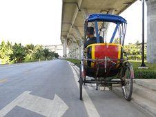 Free Trishaw Under A Bridge Royalty Free Stock Images - 1924639