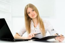 Free Beautiful Girl Working In The Office Royalty Free Stock Photos - 19200968