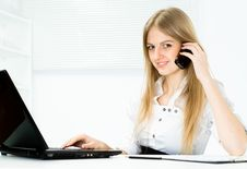 Free Beautiful Girl Working In The Office Stock Photos - 19200973