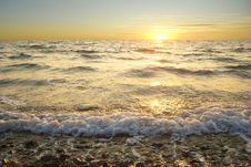 Free Golden Sea Sunset With Braking Waves Stock Photography - 19207592