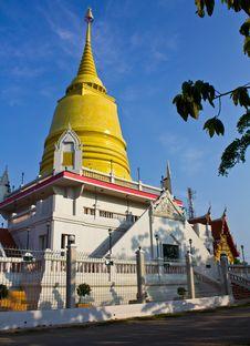 Free Golden Stupa Royalty Free Stock Photo - 19210035