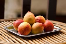 Free Peaches Royalty Free Stock Photos - 19210148