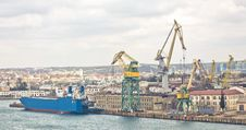 Free Powerful Shipbuilding Shipyard Royalty Free Stock Images - 19212279