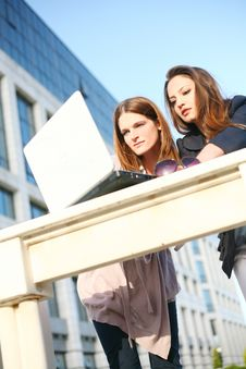Free Two Young Girls Outside With Laptop Stock Images - 19215124