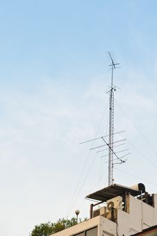 Free Antenna With A Blue Sky Royalty Free Stock Photo - 19218165