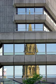 Free Modern Building With The Reflection Of Cathedral Stock Images - 19219244