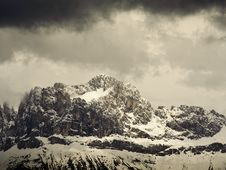 Free Mountain Range In South Tyrol Royalty Free Stock Photo - 19221245