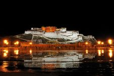 Free Potala Palace Night Stock Images - 19223924