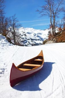 Free Wooden Canoe On The Snow Royalty Free Stock Photos - 19224548