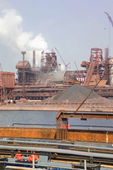 Free Metallurgical Plant Royalty Free Stock Image - 19225036
