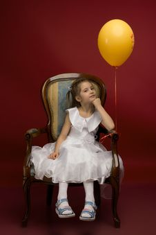 Free Little Girl With Yellow Balloon Stock Photos - 19233173